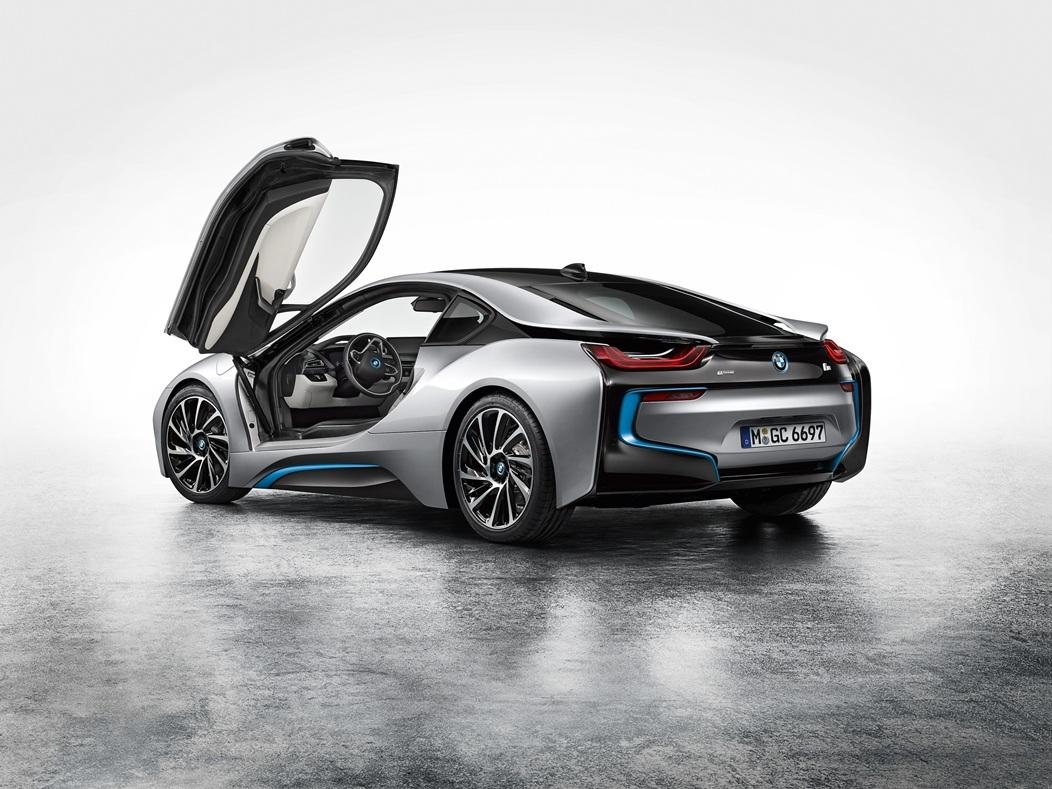 La- BMW i8 arriere