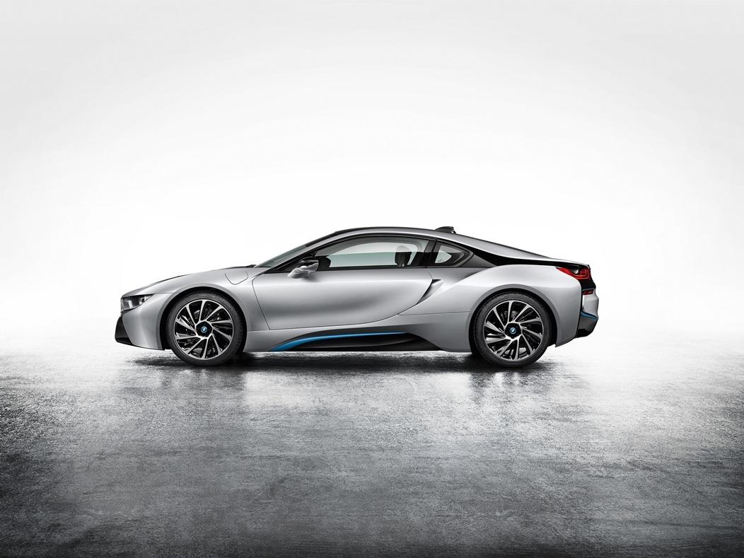 La-BMW-i8-profil