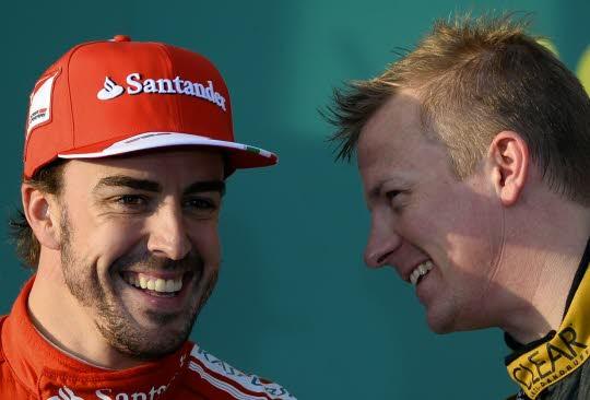 Fernando Alonso (à gauche) et Kimi Räikkönen