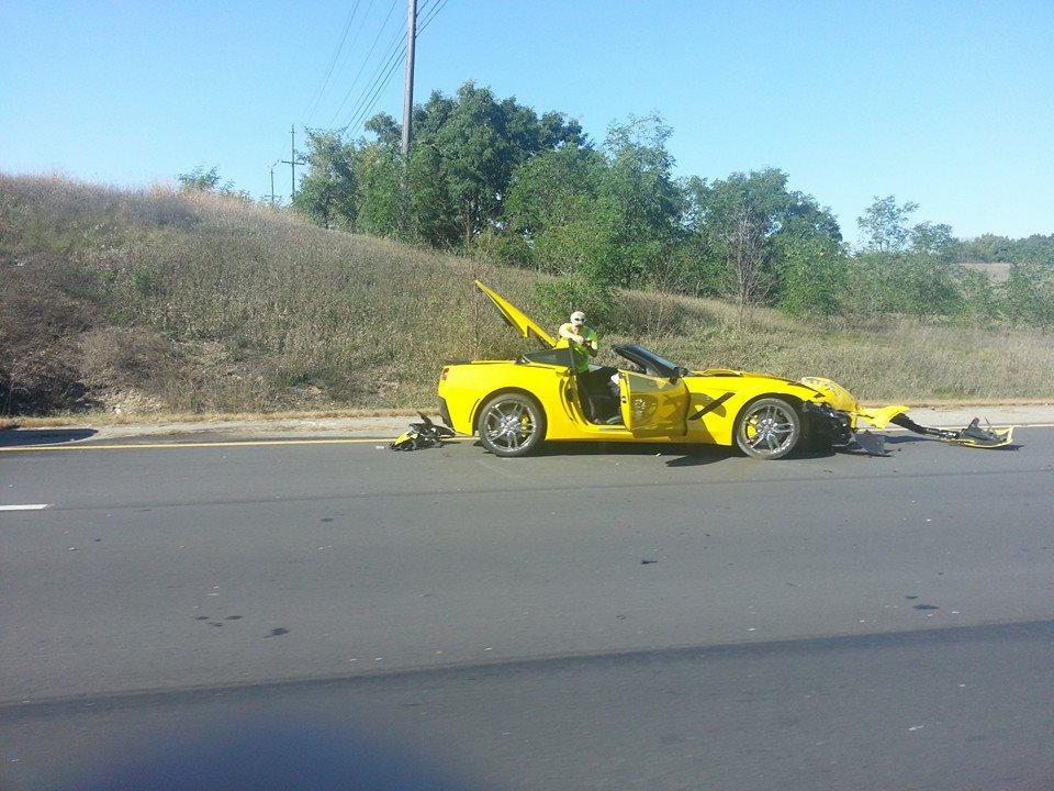 crash-Corvette-C7 -Stingray