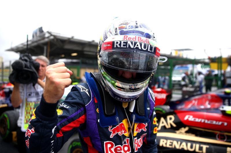 Sebastian-Vettel-gagnant-grand-prix-bresil-