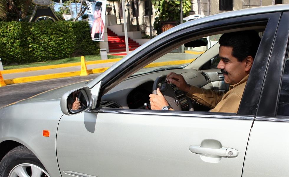 nicolas-maduro-automobile