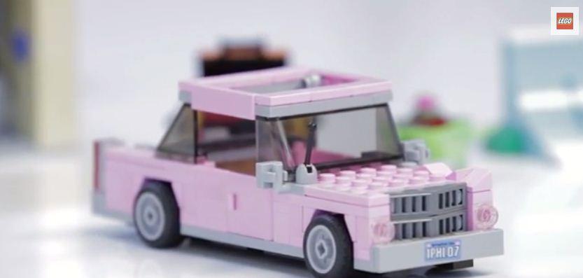 la voiture de homer simpson en lego. Black Bedroom Furniture Sets. Home Design Ideas