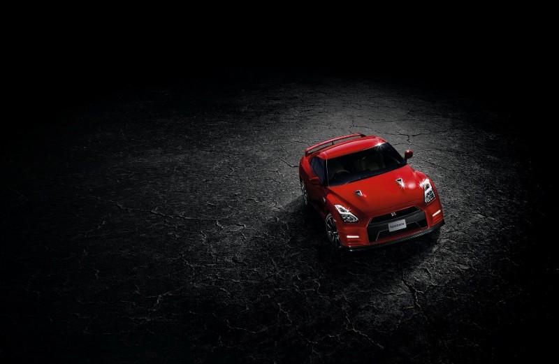 nissan-GT-R-2014