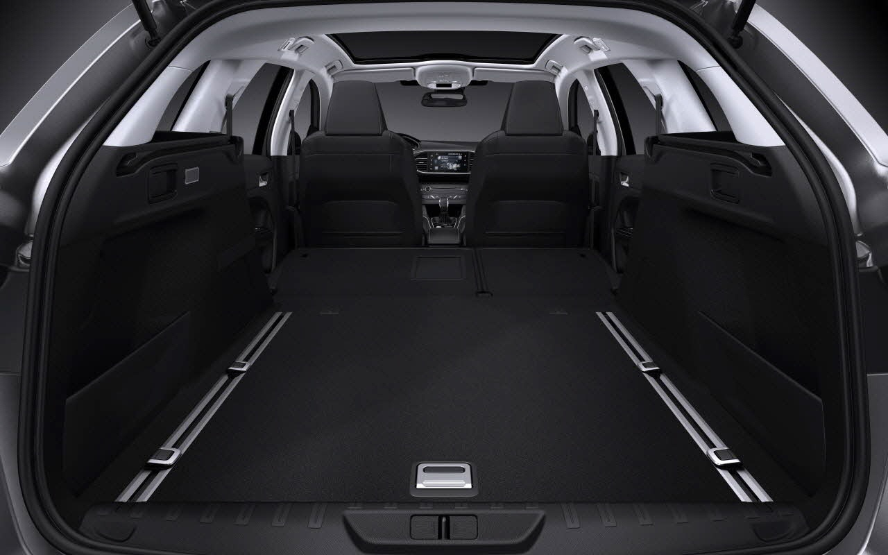 nouvelle peugeot 308 sw elle a du coffre. Black Bedroom Furniture Sets. Home Design Ideas