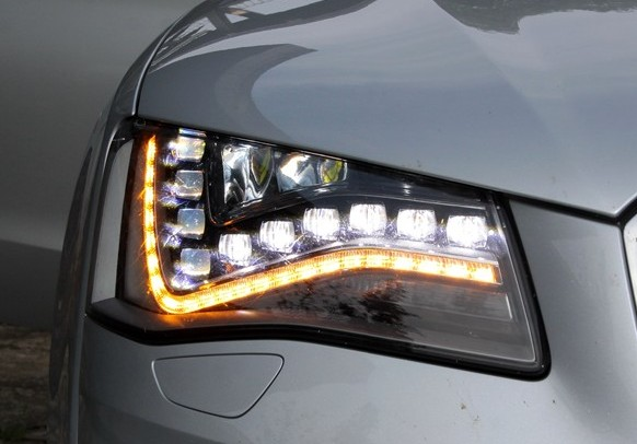 LED automobile
