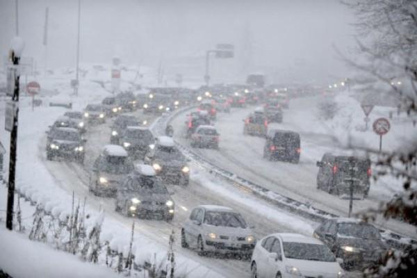 Equipement auto : Pneus hiver et chaînes obligatoires ?
