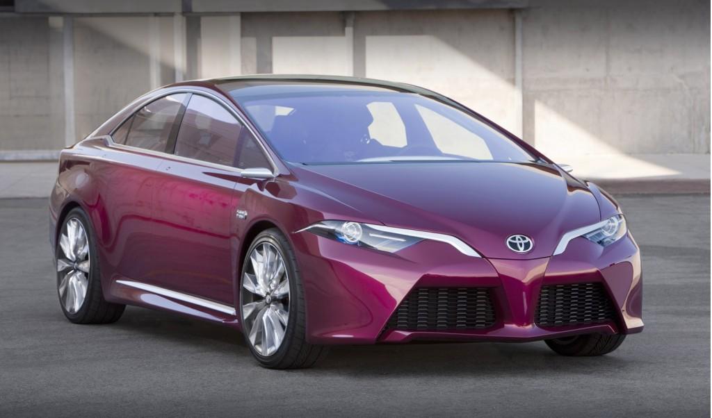 toyota-Prius-IV-2015