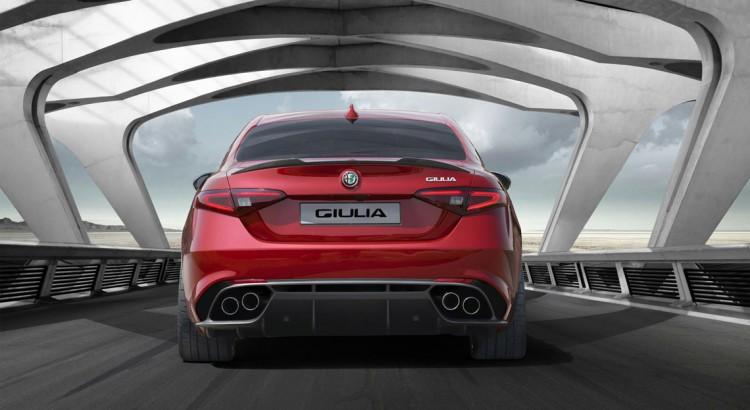 Alfa-Romeo-Giulia-2016_2