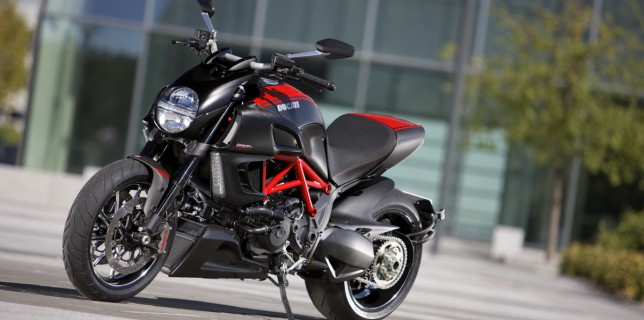 Diavel_Carbon-03