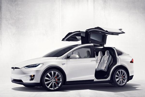 Le Model X : le premier SUV de Tesla.