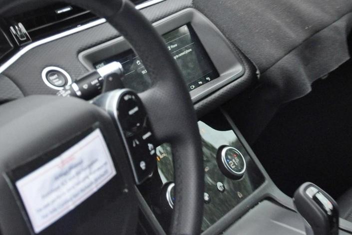 L'intérieur du Range Rover Evoque nouvelle génération gagne en modernité